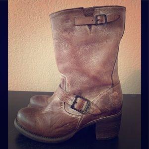 Frye Vera Short Brown Boots